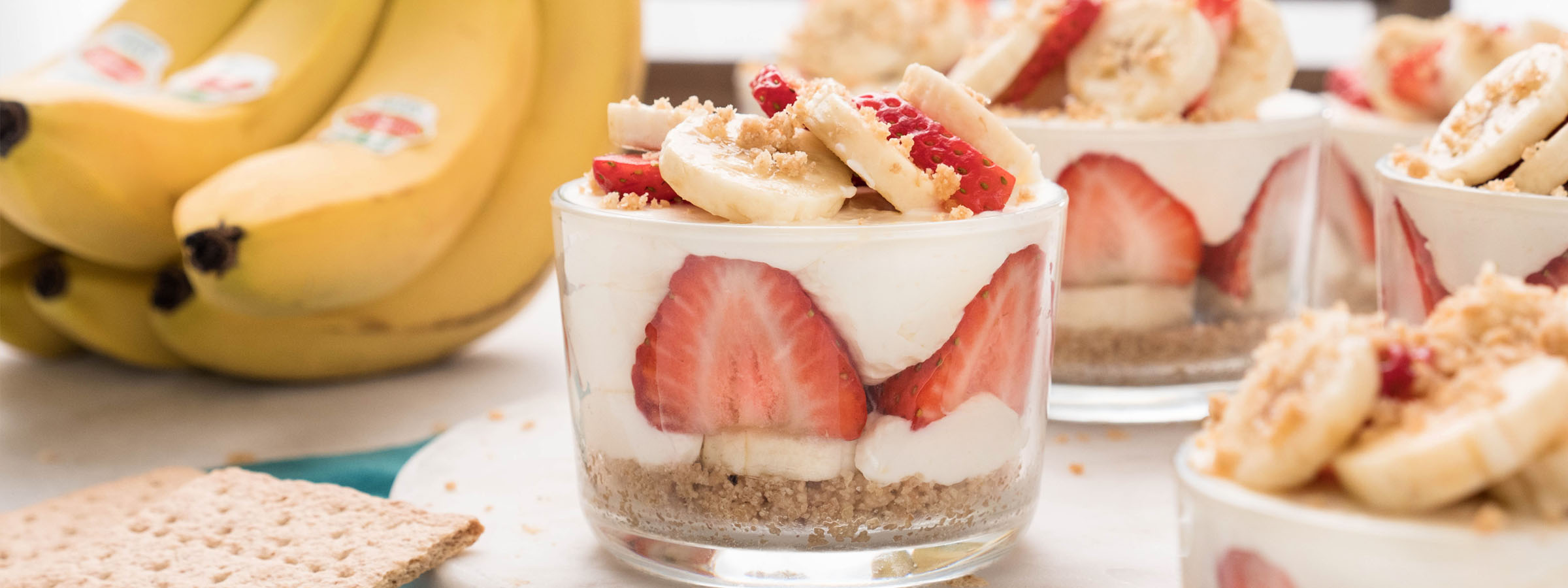 No-Bake-Strawberry-Banana-Cheesecakes_Fruits.com_